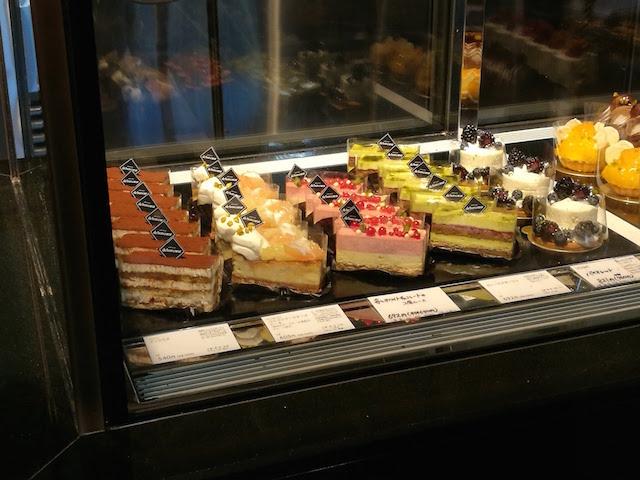 まるで宝石、ケーキ、パティスリー・ドゥ・ボン・クーフゥ