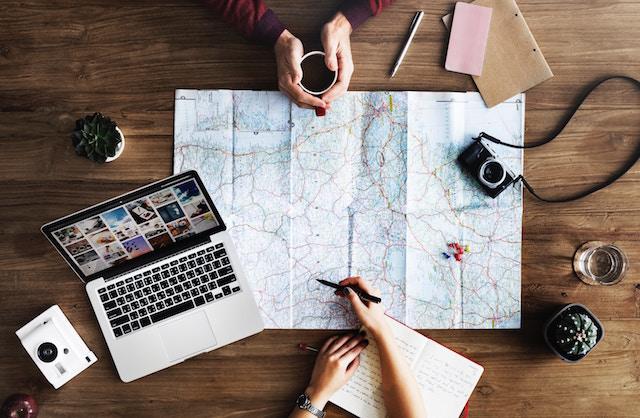 海外旅行、もっと便利、楽しい、必須アプリ、4選